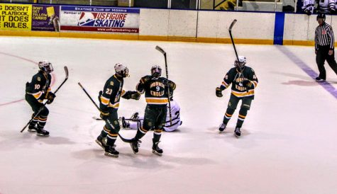 Morris Knolls Varsity Ice Hockey Team
